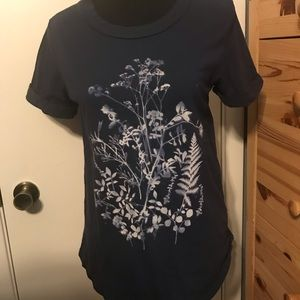 ANTHROPOLOGIE sol Angeles navy floral graphic tee